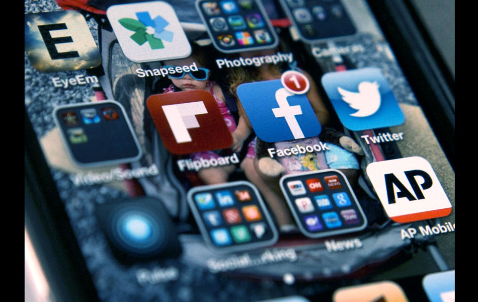 how to use social media to make sales